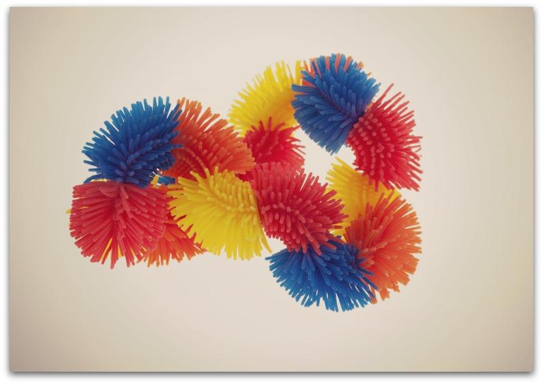 tangle-tangle-zacht-en-hairy-oranje-blauw